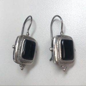 Real silver and onyx square earrings